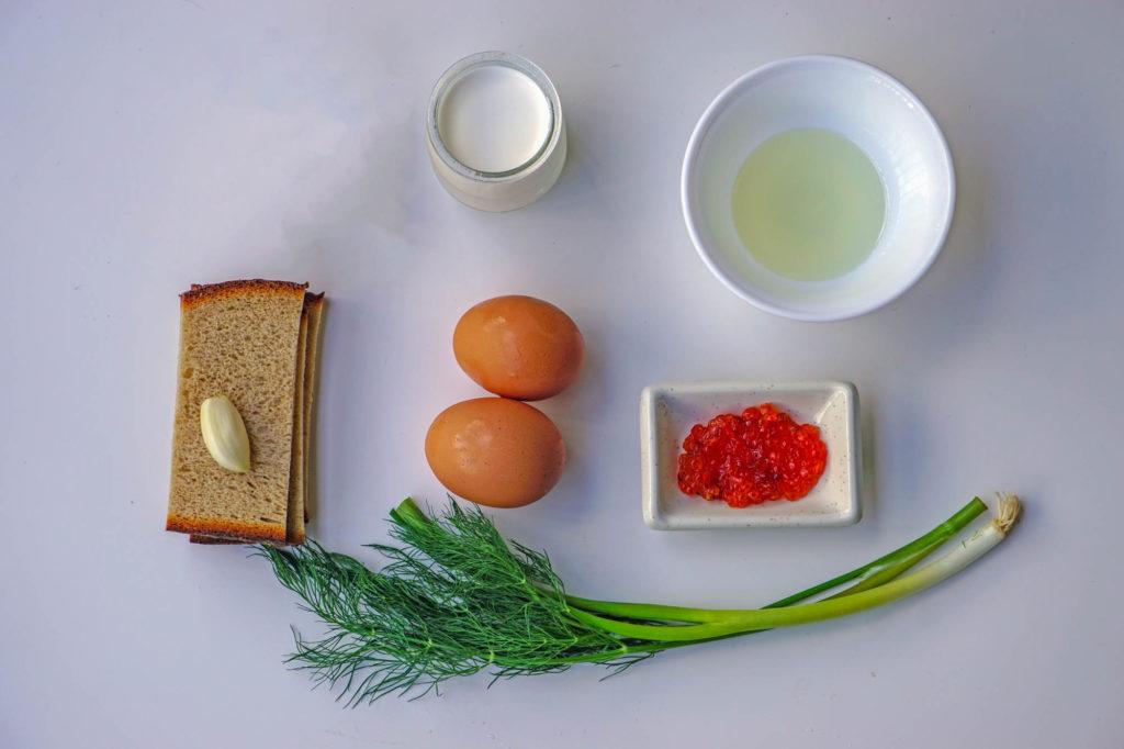 яйца в стакане